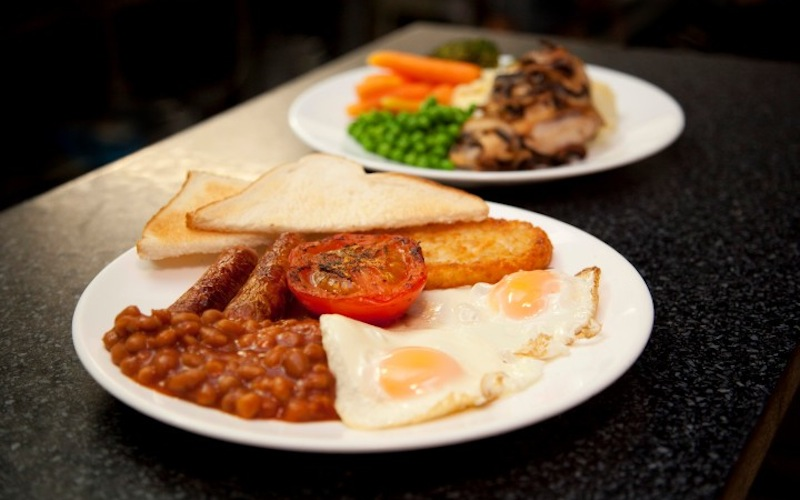 Breakfast-national-park-pipers-lodge